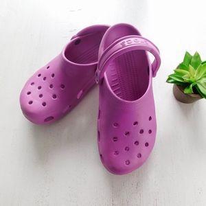 CROCS ~ Sz 9 Purple Classic Clogs Fuchsia Unisex